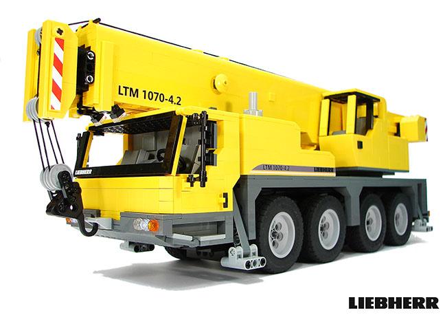 LEGO MOC Liebherr LTM 1070 by Dejw