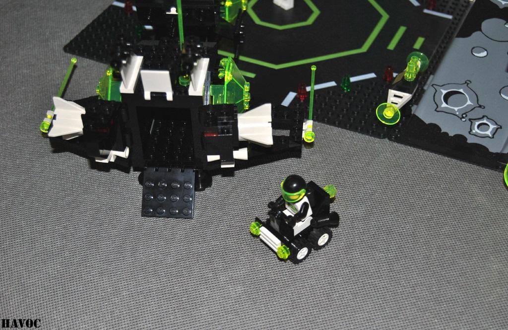 https://i1.wp.com/www.brickshelf.com/gallery/Havoc/Reviews/BlacktronII/22.jpg