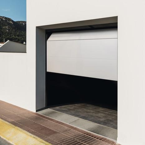 Porte De Garage Sectionnelle Motorisee H 200 Cm L 240 Cm Blanche Brico Depot