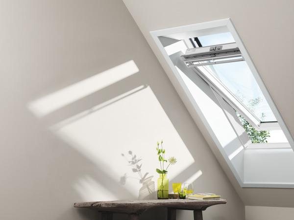 fenetre de toit blanche a rotation confort ggl sk06 2076 h 118 x l 114 cm velux