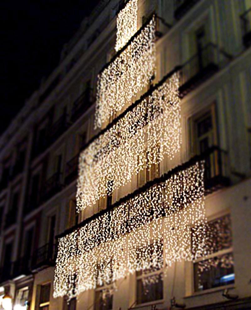 Le decorazioni luminose che indubbiamente fanno per te sono le tende di luci da esterno. Tenda Luminosa 160 Luci Led Bianco Con Controller E 8 Giochi Di Luce Per Uso Interno Ed Esterno Luci Albero Decori Natale Luci Led Natale