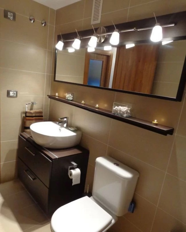 Mueble lavabo, espejo y balda