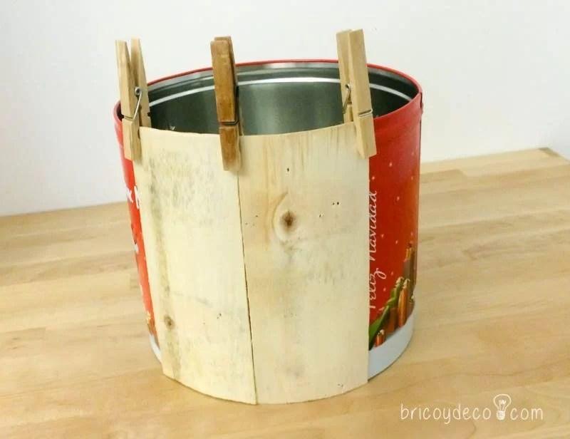 forrar lata con madera de caja de fruta