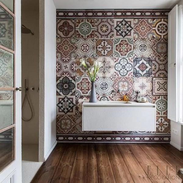ideas para decorar con baldosas hidráulicas el baño