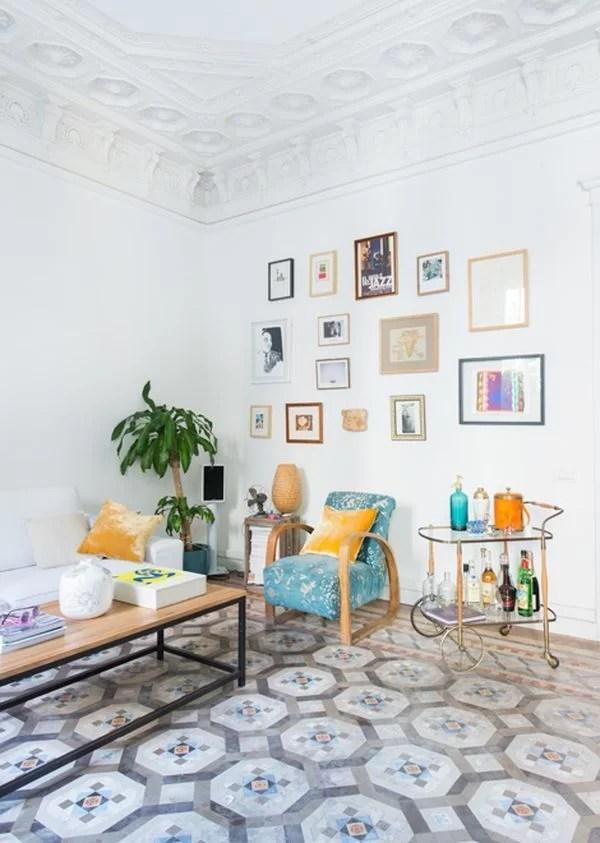 decorar con baldosas hidráulicas el salón