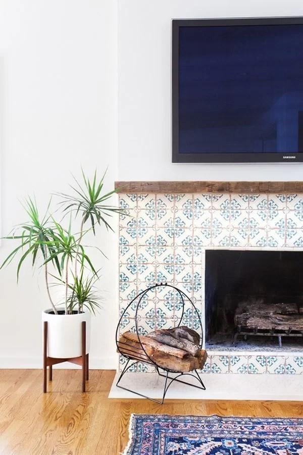 decorar con baldosas hidráulicas la chimenea