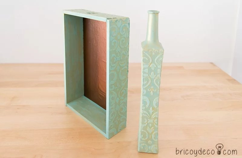 caja y botella decoradas con stencil con pasta relieve