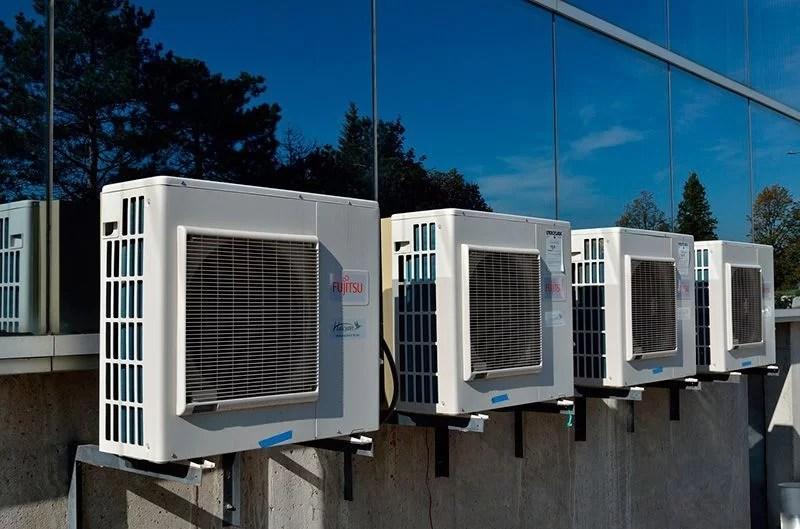 ahorrar en el consumo de aire acondicionado protegiendo las unidades exteriores
