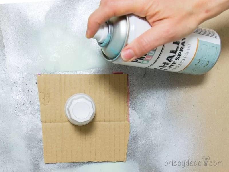 reciclar vidrio con pintura en spray chalk paint turquesa pálido
