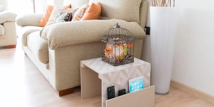 mesa auxililar DIY para el sofá o el sillón