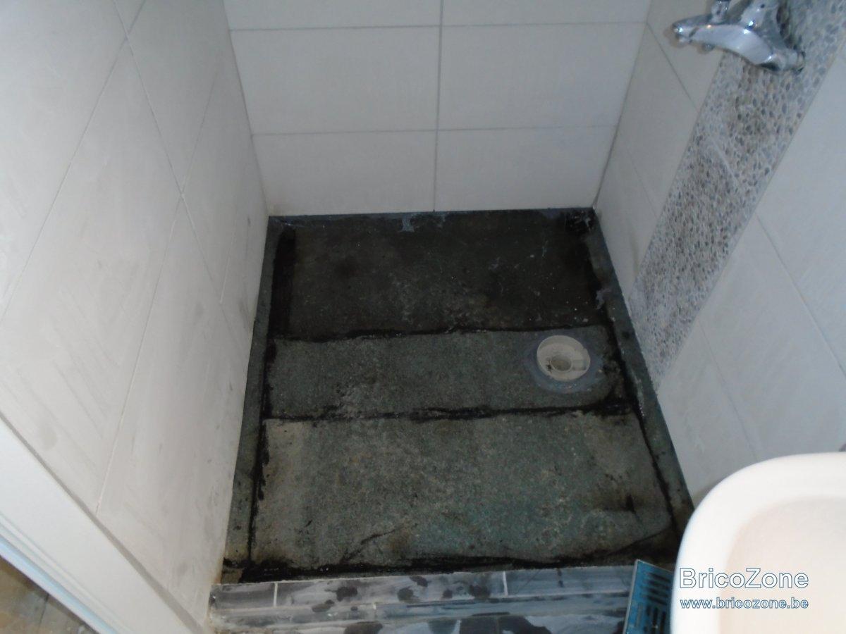 receveur de douche sur plancher bois