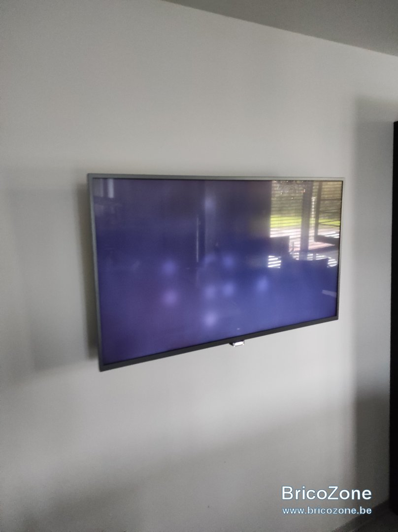 taches blanches tv led