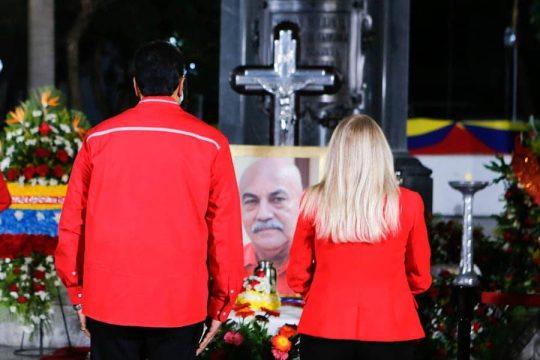 El Presidente Nicolás Maduro despidió a Darío Vivas