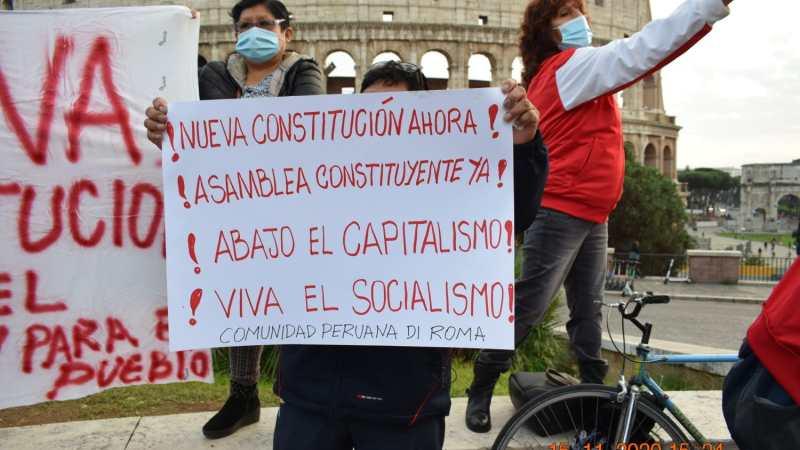 """Il Perù s'infiamma contro il sistema """"corrotto e assassino"""""""