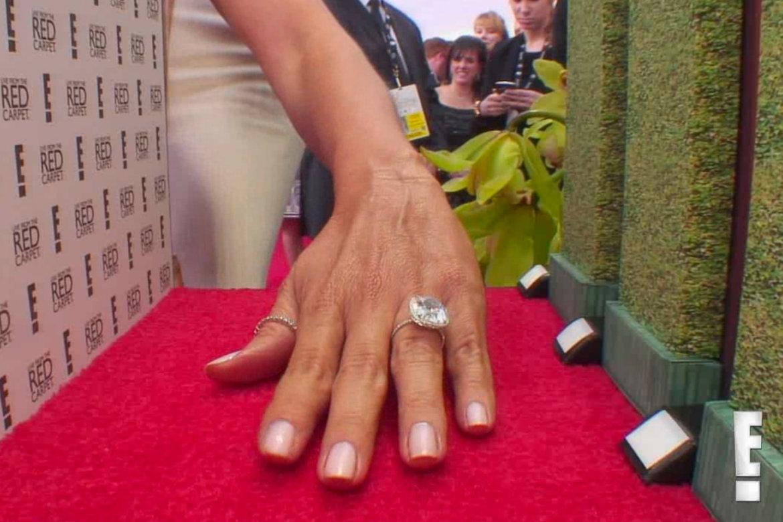 First Look Sofia Vergaras Engagement Ring BridalGuide