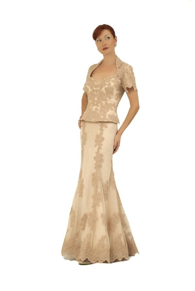 The Most Flattering Mother of the Bride Dresses   BridalGuide The Most Flattering Mother of the Bride Dresses
