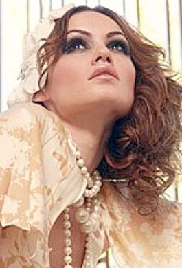 Bride Fashion Model 16