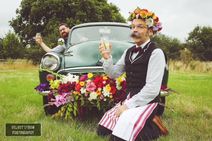We Love: Vintage and Fabulous Mobile Bar from Gin and Bear It | British wedding blog - Bride and Tonic