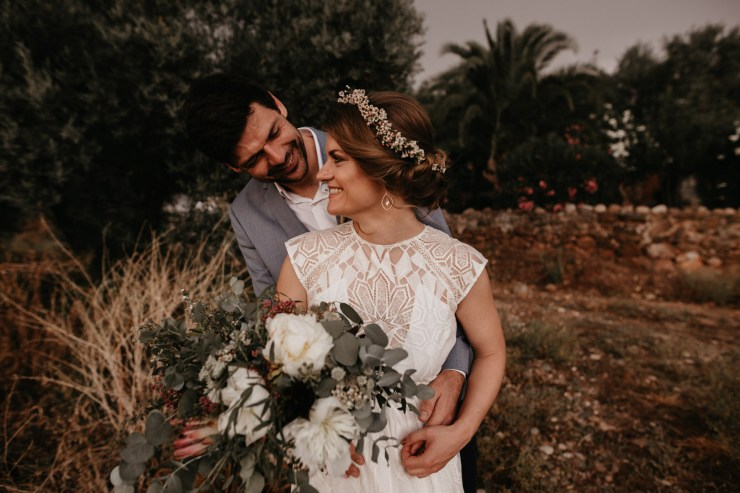 A Laid Back and Rustic Outdoor Sustainable Wedding // Heike + Christian | British wedding blog - Bride and Tonic