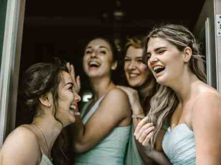 Here's How To Choose Bridesmaids Like A #BrideBoss
