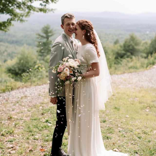 a naturally beautiful summer wedding in maine