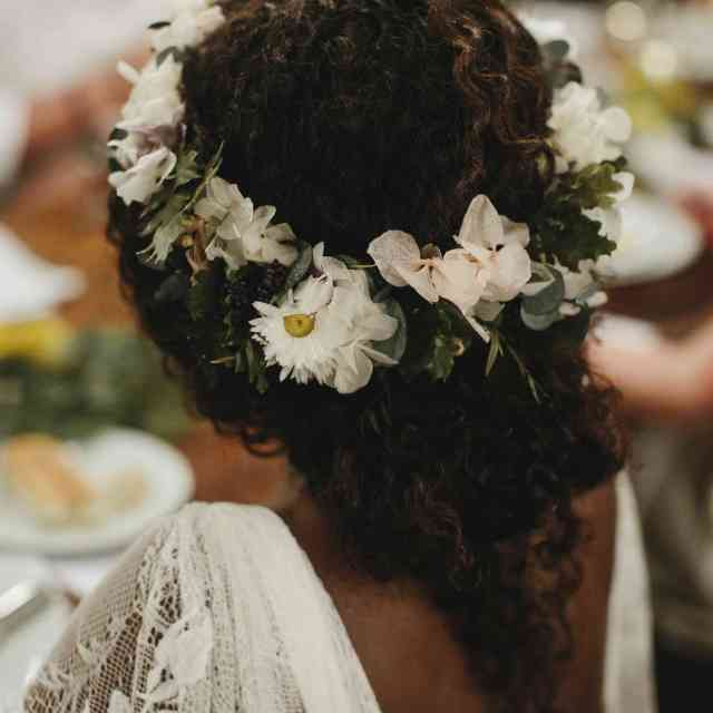 27 wedding hairstyles with flowers