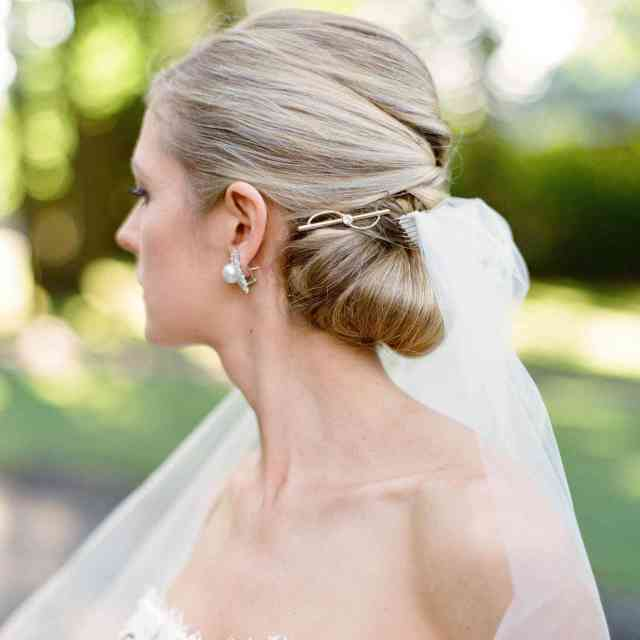 bridal barrettes are the new wedding hair accessory trend