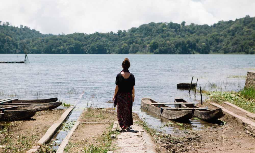 Victoria near Lake Tamblingan