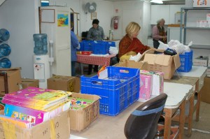 DKirchevel_Packing for Sderot_Food Bank_043