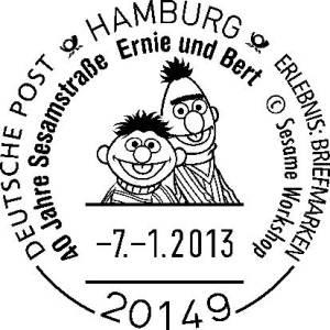 Ernie und Bert aus der Sesamstraße grüßen vom Poststempel.