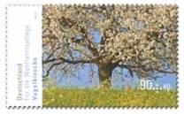 """Eines der drei Motive der neuen Wohlfahrtsserie """"Blühende Bäume""""."""