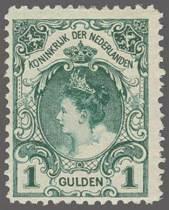 Wilhelmina mit Pelzkragen.