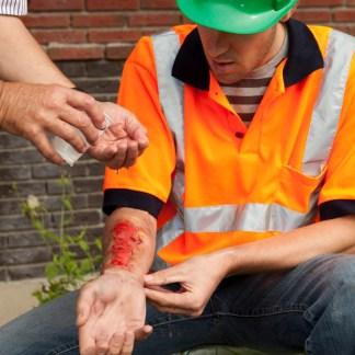 Emergency First Aid at Work Level efaw (RQF), Brighton Holistics, Qualsafe