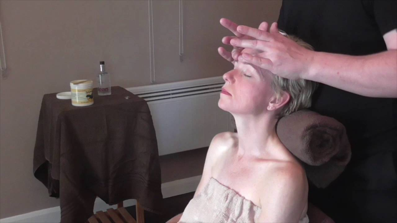 Basic Indian Head Massage Demonstration by Brighton Holistics