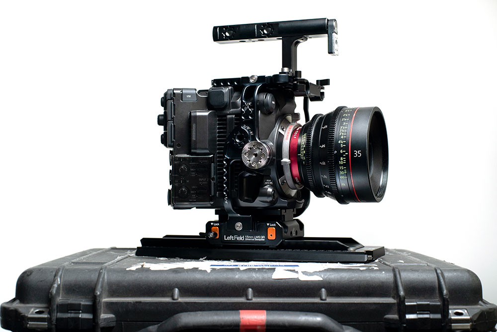 The EOS C500 Mark II Left Field Cage is ARRI dovetail compatible and has a rosette for the camera grip.