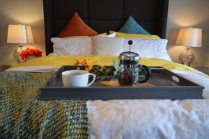 breakfast-in-bed-1158270__340