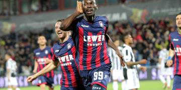 Simy Nwankwo leads Crotone to vital win - Latest Sports News In Nigeria
