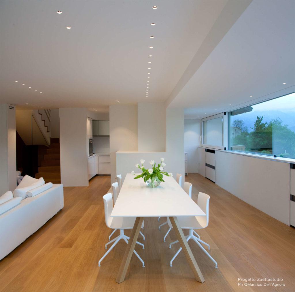 Se vi piace l'idea, meglio orientarsi su tonalità neutre e comunque più naturali possibile per la scelta di tavolo e sedie. Come Illuminare Il Tavolo Da Pranzo Idee E Consigli Utili Brillamenti