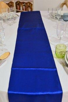 Chemin de table bleu roi