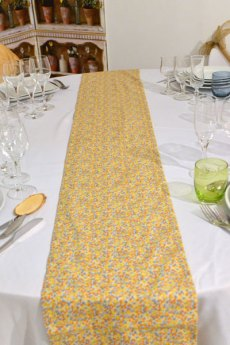 Chemin de table liberty jaune