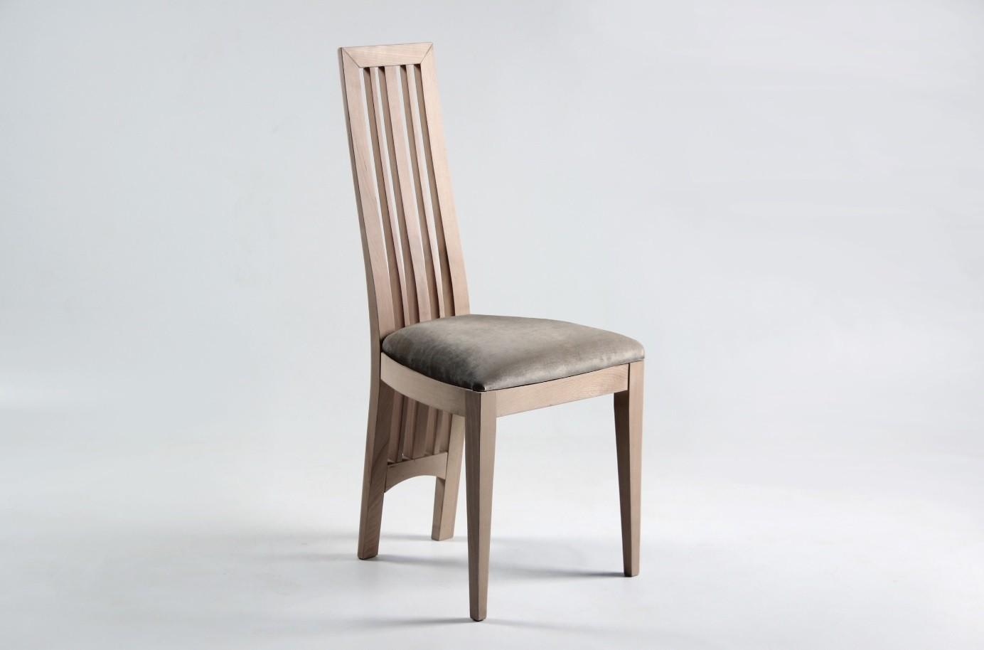 chaise moderne haut dossier en bois