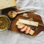 Traumhafte Kombination: Käse mit Pflaumensenf