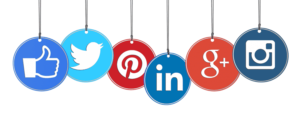 social media 1024x399 - La familiarité dans les rapports professionnels