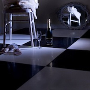 DANCE FLOOR BLACK / WHITE 16' X 16'