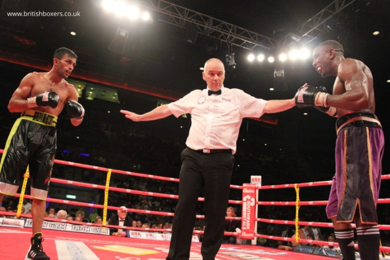 Hamilton v Anwar-square off with ref