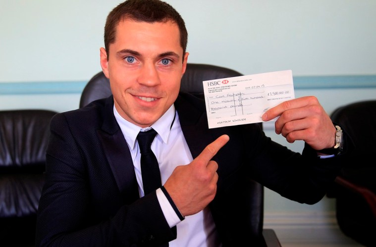 WORLD TITLE OFFER PRESS CONFERENCEMASCALLS,BRENTWOODPIC LAWRENCE LUSTIGWBA SUPER-BANTAMWEIGHT WORLD CHAMPION SCOTT QUIGG MAKE A £1.5 MILLION OFFER TO IBF CHAMPION CARL FRAMPTON TO FIGHT IN MANCHESTER ON JULY 18TH