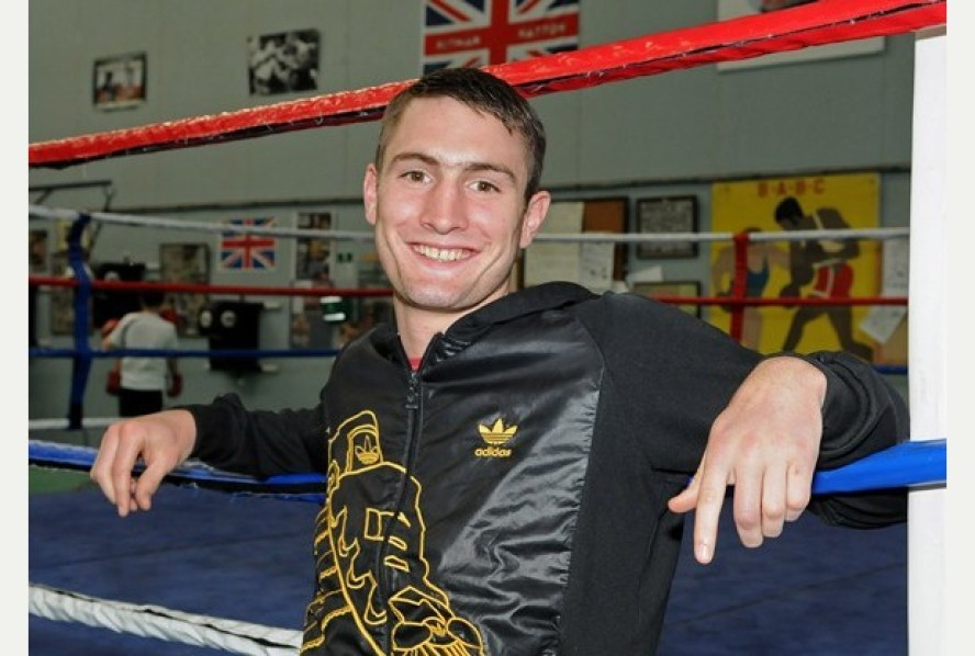 61 BoxingTom Langford visits Bideford ABC GymPicture: Mike Southon Ref: BNMS20120910H-006_C