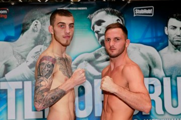 BATTLE OF BRUM FINAL PRESS CONFERENCE GROSEVNOR CASINO,BIRMINGHAM PIC;LAWRENCE LUSTIG BRITISH AND COMMONWEALTH WELTERWEIGHT CHAMPIONSHIP CHAMPION SAM EGGINGTON AND CHALLENGER DALE EVANS WEIGH IN
