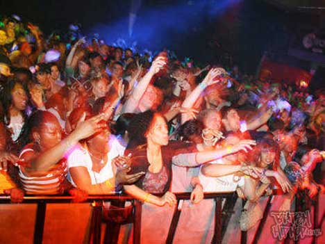 UK Takeover 5 - Crowd