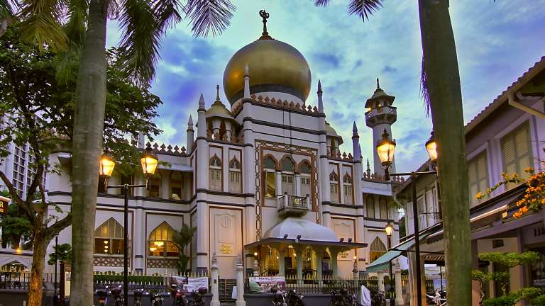 Top 10 beautiful Mosques to visit around the world